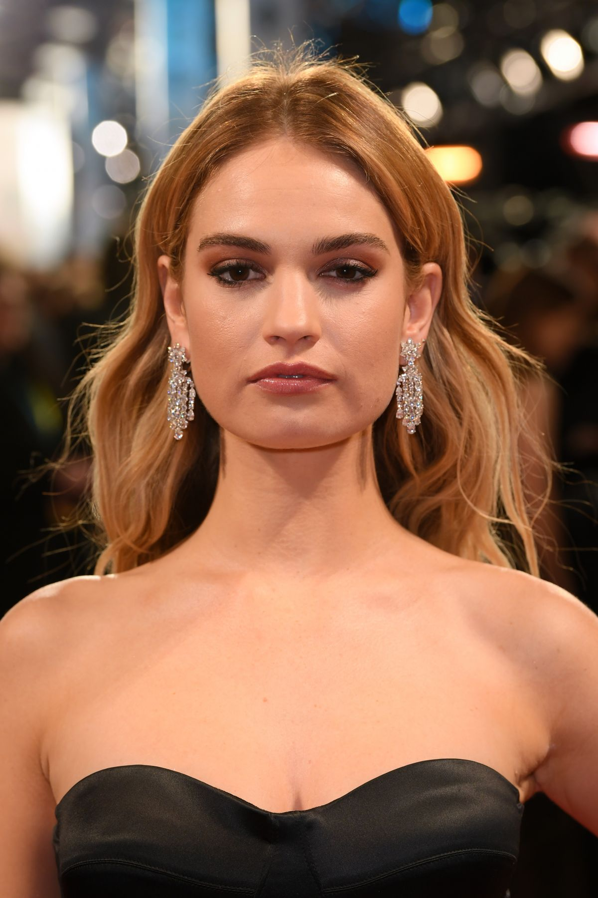Lily James nude (34 foto and video), Tits, Leaked, Twitter, underwear 2019
