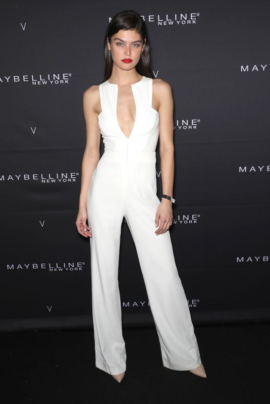 LORRAINE LANE at Maybelline New York x V Magazine Fashion Week Party in New York 02/11/2018