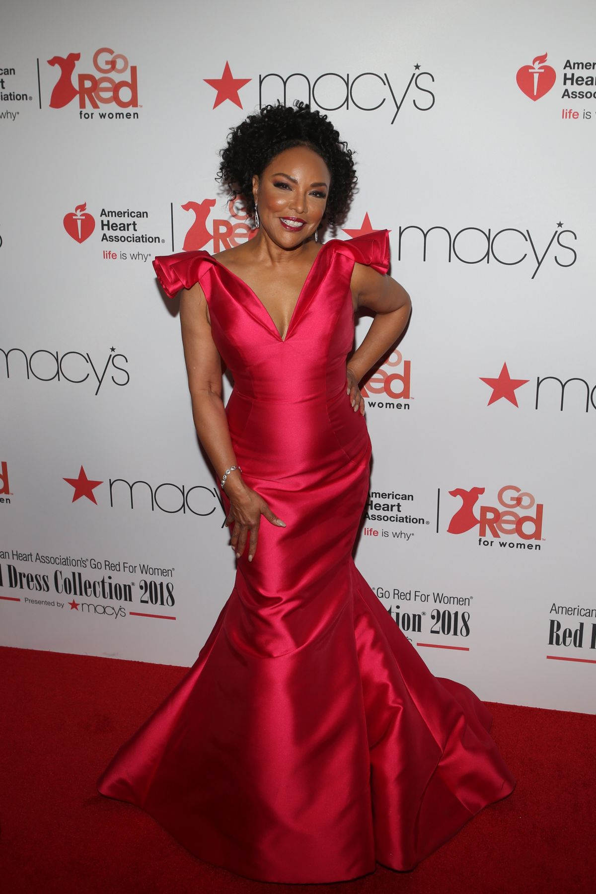 LYNN WHITFIELD at Go Red for Women Red Dress Collection ... Red Dresses For Women 2018