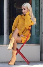 PIA MIA PEREZ on the Set of a Photoshoot at Rodeo Drive in Beverly Hills 02/09/2018