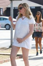Pregnant KIRSTEN DUNST Out for Lunch in Los Feliz 02/11/2018