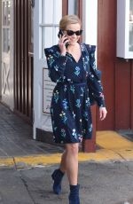 REESE WITHERSPOON at Brentwood Country Mart 02/13/2018
