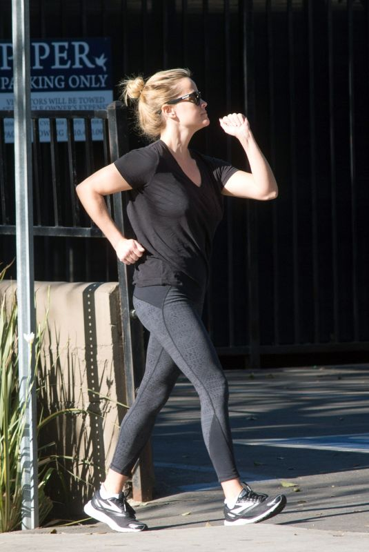REESE WITHERSPOON Out for Morning Workout in Los Angeles 02/07/2018