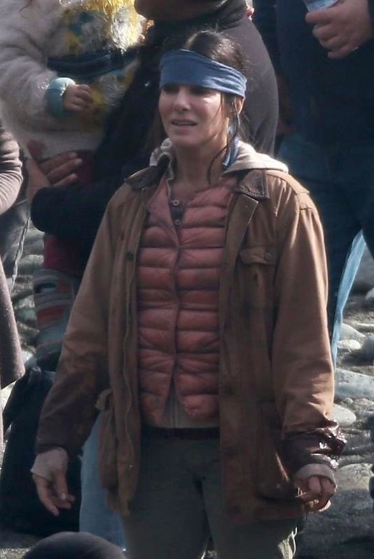 SANDRA BULLOCK on the Set of Bird Box 01/30/2018