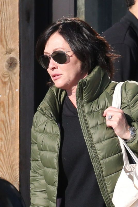 SHANNEN DOHERTY Out Shopping in Malibu 02/25/2018