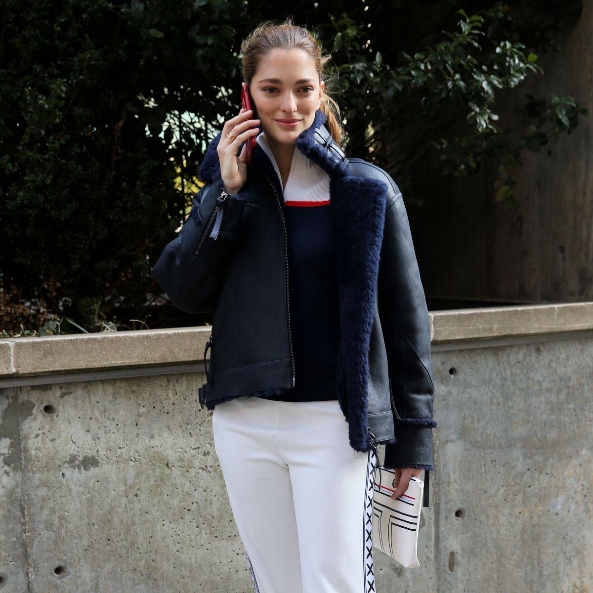c1ffe6559 SOFIA SANCHEZ DE BETAK Arrives at Tory Burch Fall Winter 2018 19 Fashion  Show at New York Fashion Week 02 09 2018