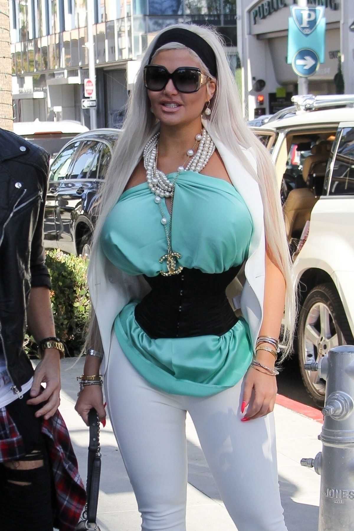 Sophia Vegas Wollersheim Out On Rodeo Drive In Beverly