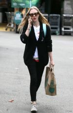 AMANDA SEYFRIED Shopping at Whole Foods in Los Angeles 03/16/2018