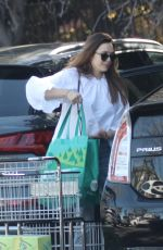 ELIZABETH OLSEN Shopping at Whole Foods in Los Angeles 03/27/2018