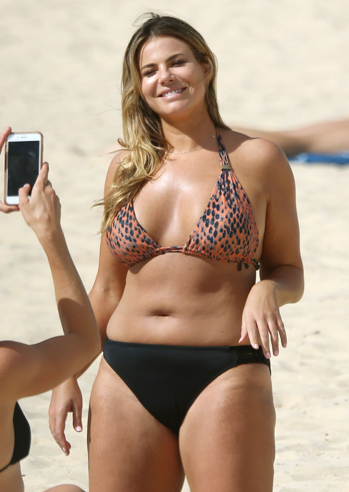 Fiona Falkiner in Bikini at Coogee Beach in Sydney Pic 23 of 35