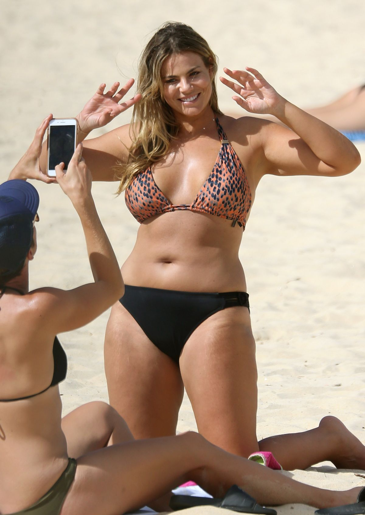 Fiona Falkiner in Bikini at Coogee Beach in Sydney Pic 10 of 35