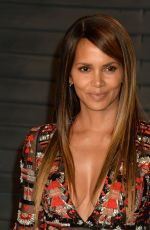HALLE BERRY at 2018 Vanity Fair Oscar Party in Beverly Hills 03/04/2018