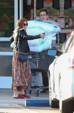 ISLA FISHER Shopping New Pillows at Bed Bath & Beyond in Studio City 03/27/2018