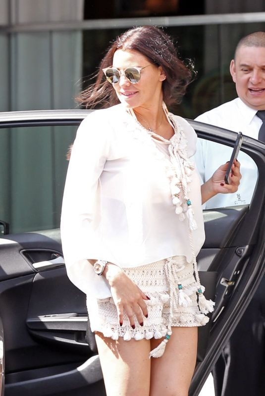 JESSICA WRIGHT Out for Lunch in Los Angeles 03/30/2018