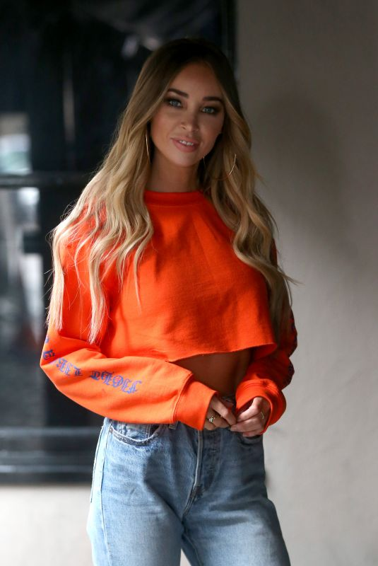 LAUREN POPE Arrives at Sugar Hut in Essex 03/28/2018