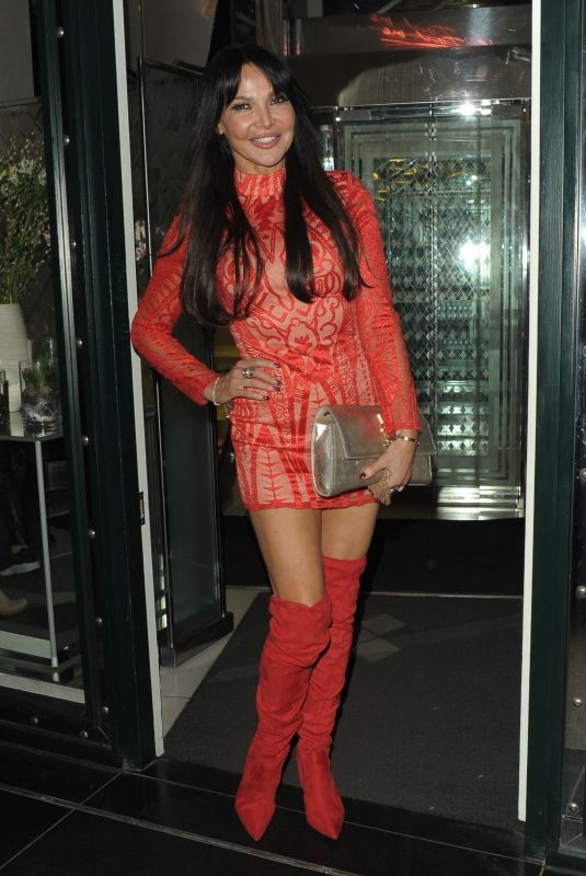 LIZZIE CUNDY Leaves Ivy Restaurant in London 03/20/2018