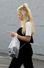 LOTTIE MOSS Shopping at Maxfield in West Hollywood 03/09/2018