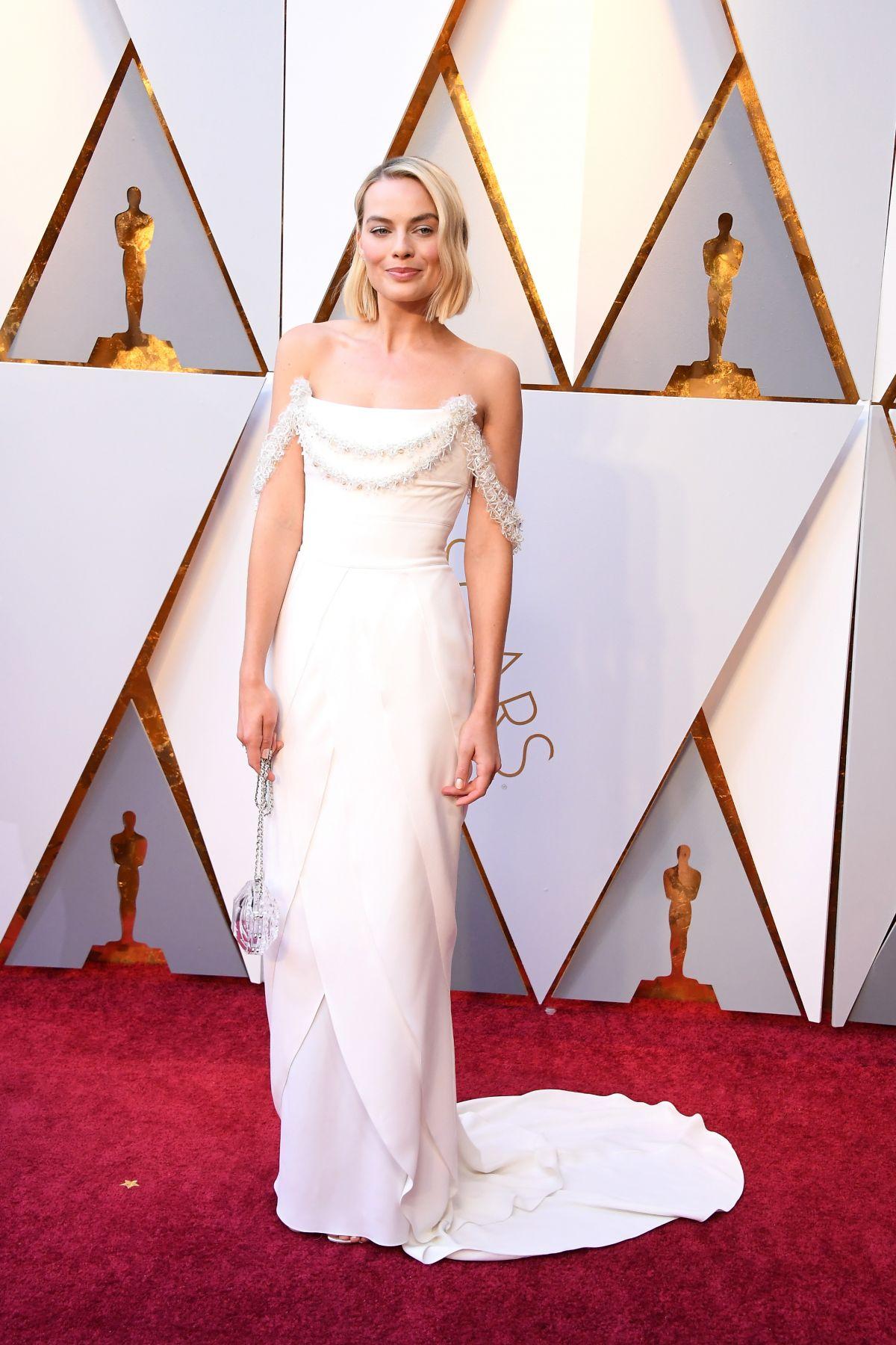 Resultado de imagen para Margot Robbie Oscar 2018