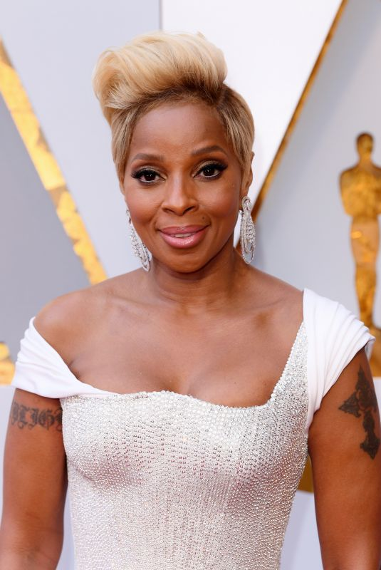MARY J. BLIGE at 90th Annual Academy Awards in Hollywood 03/04/2018