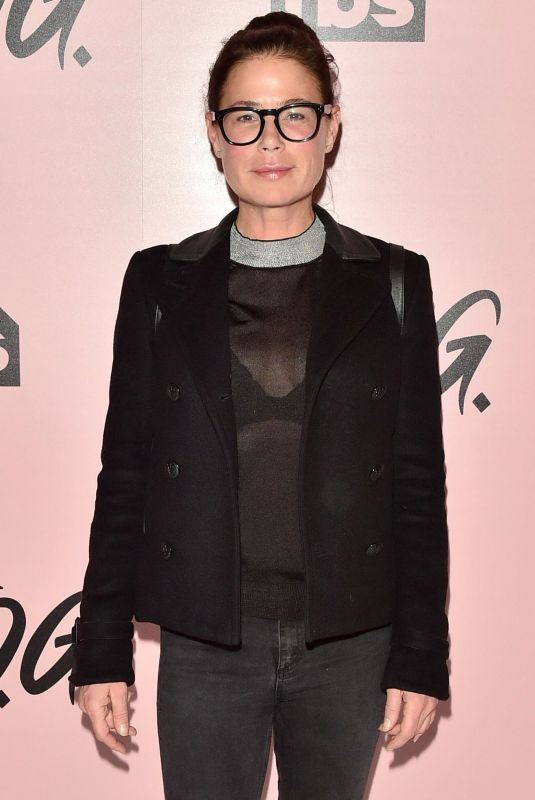 MAURA TIERNEY at The Last O.G. Show Premiere in New York 03/29/2018