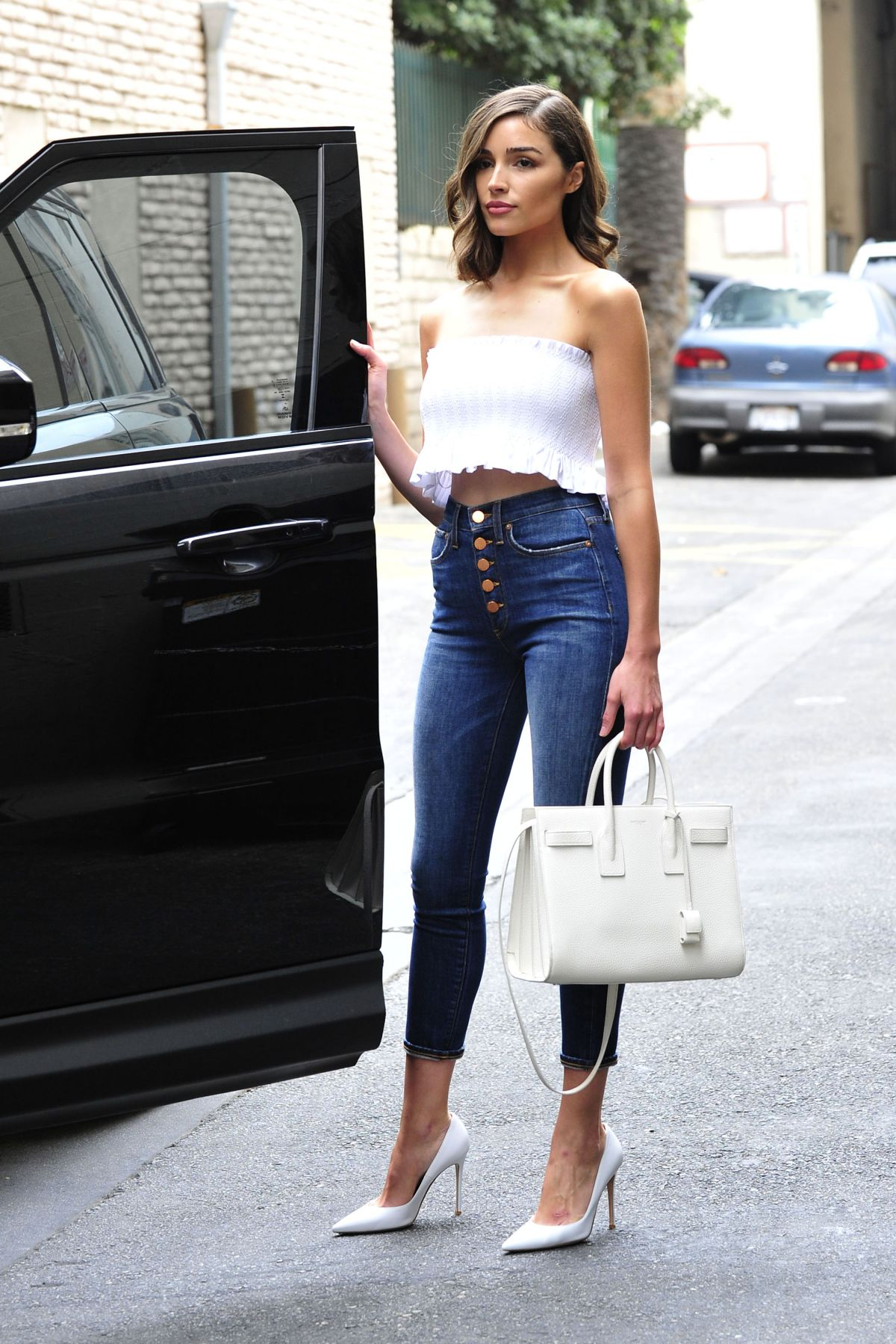 Olivia Culpo In Tube Top And Tight Jeans Out In Los -7878
