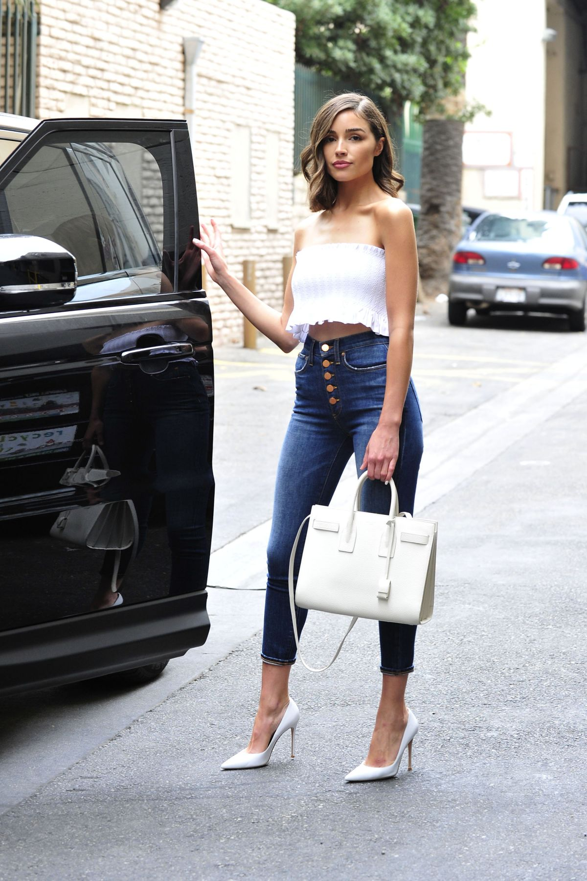 Olivia Culpo In Tube Top And Tight Jeans Out In Los -8103