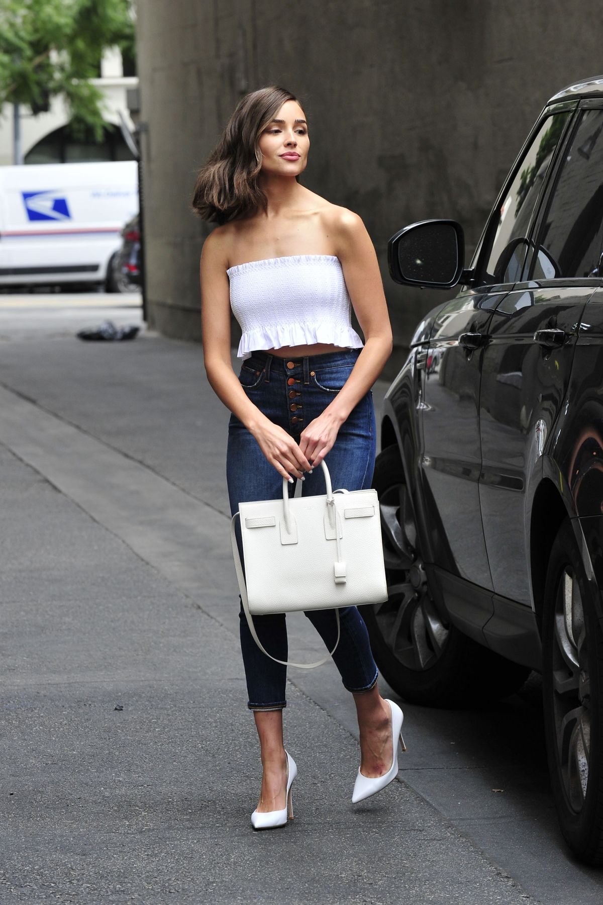 Olivia Culpo In Tube Top And Tight Jeans Out In Los -9663