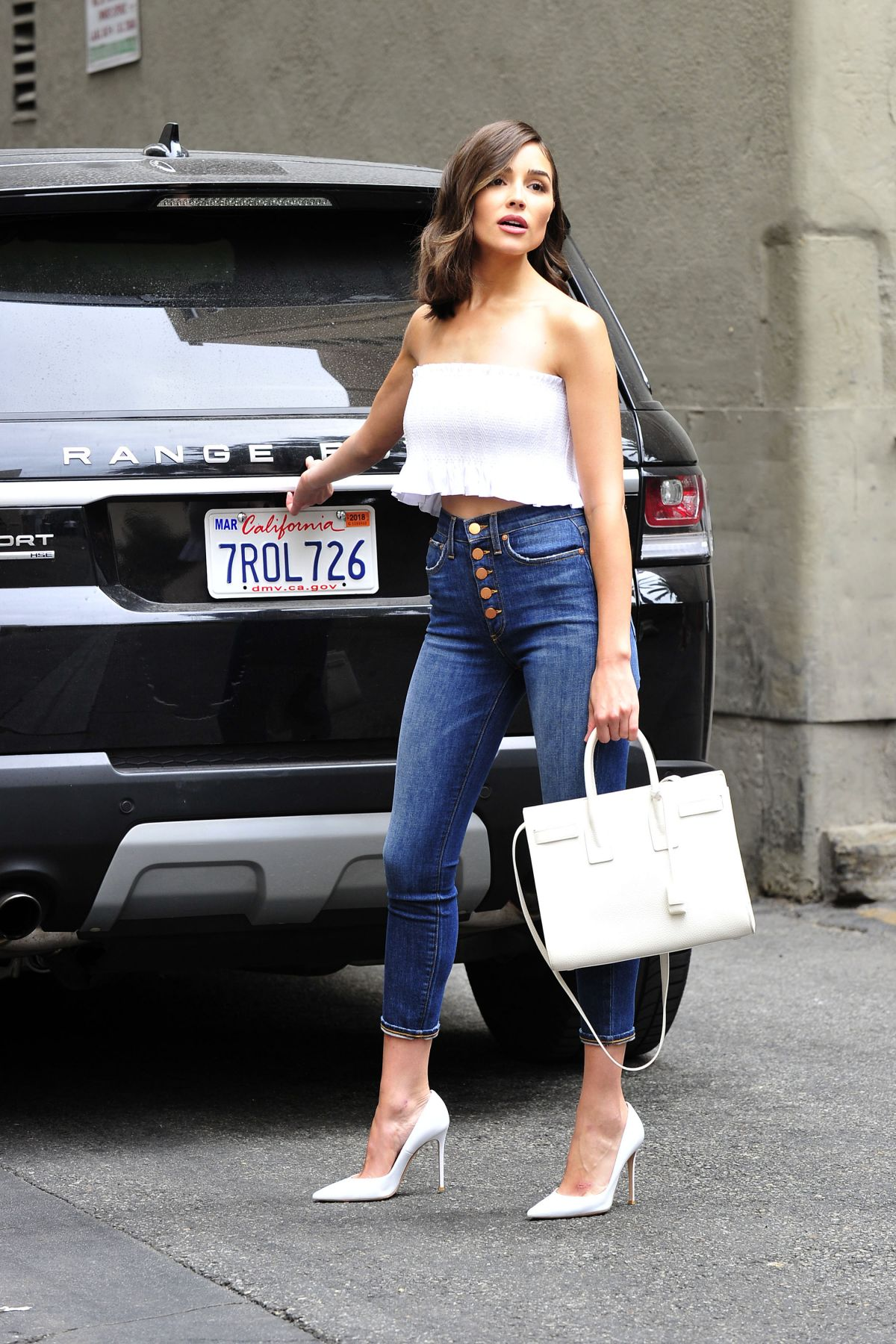 Olivia Culpo In Tube Top And Tight Jeans Out In Los -6876