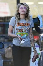 PARIS JACKSON Takes Acai Berry Smoothie at Earthbar in West Hollywood 03/27/2018
