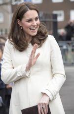 Pregnant KATE MIDDLETON at Pegasus Primary School in Oxford 03/06/2018