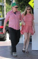 Pregnant KIRSTEN DUNST and Jesse Plemons Out for Lunch at Olive & Thyme in Los Angeles 03/29/2018
