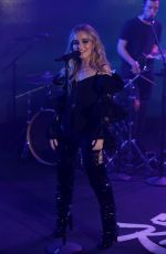 SABRINA CARPENTER Performs on Jimmy Kimmel Live 03/21/2018
