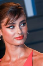 TAYLOR HILL at 2018 Vanity Fair Oscar Party in Beverly Hills 03/04/2018