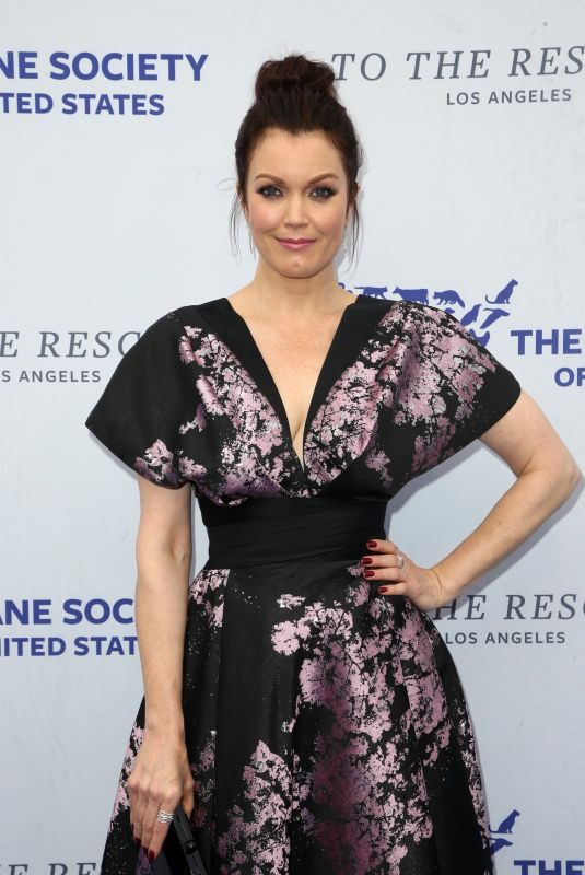 BELLAMY YOUNG at Humane Society of the United States' To the Rescue Gala in Los Angeles 04/21/2018