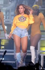 BEYONCE Performs at Coachella Valley Music and Arts Festival in Palm Springs 04/14/2018