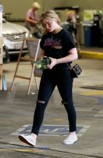 CHLOE MORETZ Shopping Grocery at Whole Foods in Los Angeles 04/12/2018