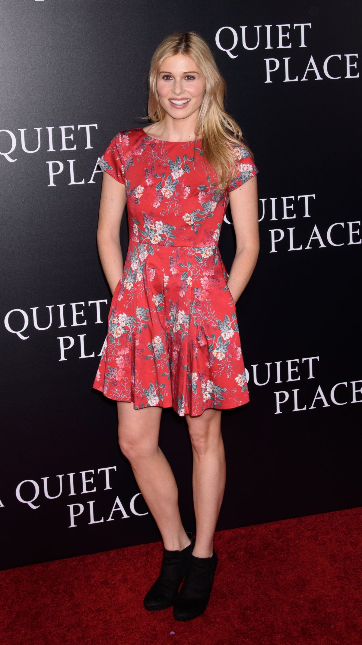 comfort clinton at a quiet place premiere in new york 04