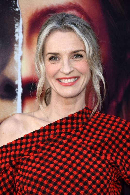 """EVER CARRADINE at The Handmaid""""s Tale Season 2 Premiere in Hollywood 04/19/2018"""