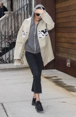 GIGI HADID Arrives at Her Home in New York 04/02/2018
