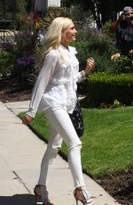 GWEN STEFANI Heading to a Church in Los Angeles 04/22/2018