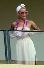 HALSEY on the Balcony on Her Hotel in Maui 04/03/2018