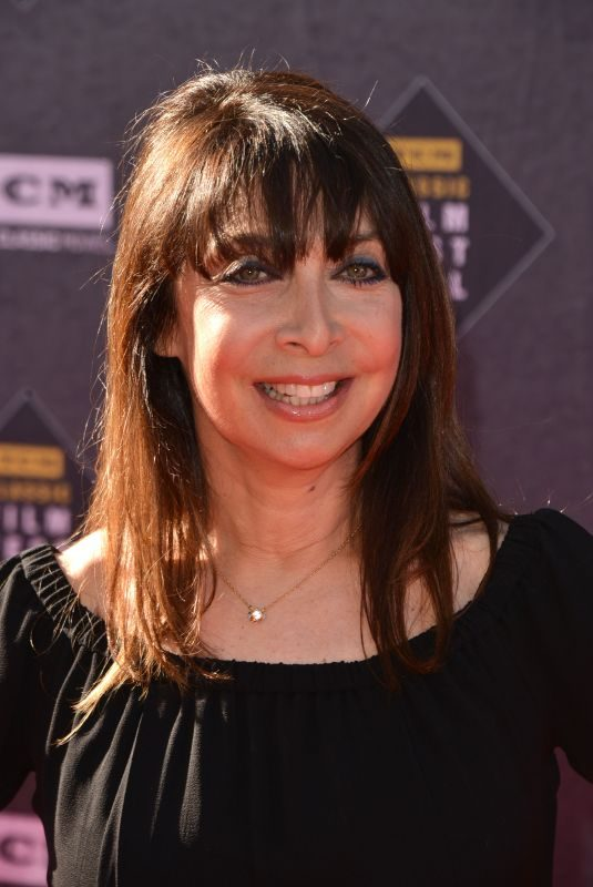 ILLEANA DOUGLAS at TCM Classic Film Festival Opening Night in Los Angeles 04/26/2018