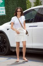 JENNA DEWAN Arrives at a Salon in Los Angeles 04/15/2018