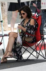 JENNA DEWAN Shopping at Farmer