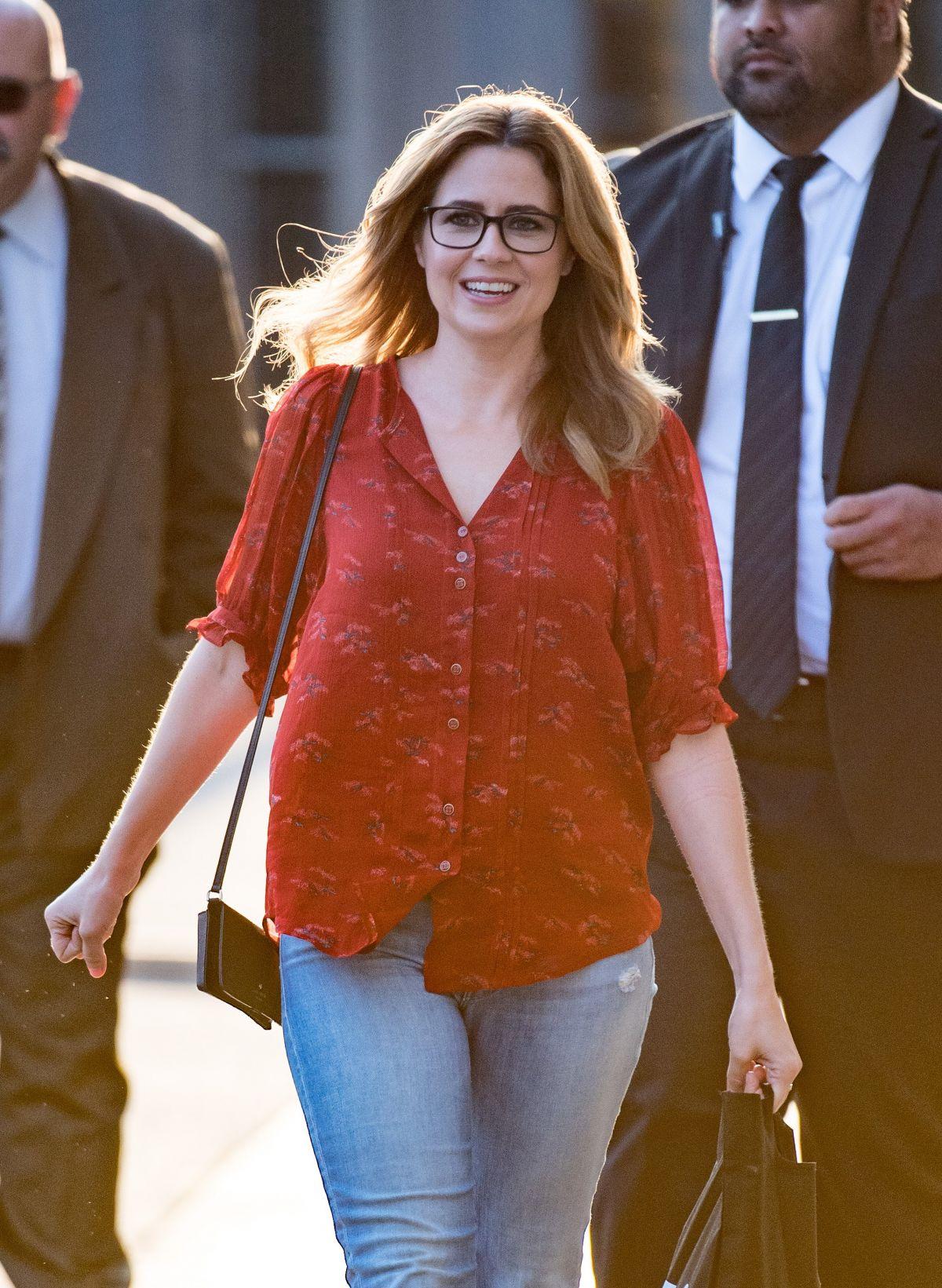 1450a4f993df7 JENNA FISCHER'S Wardrobe Malfunction at Jimmy Kimmel Live! in Los Angeles  04/02/2018