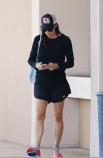 JENNIFER GARNER Out and About in Honolulu 03/30/2018