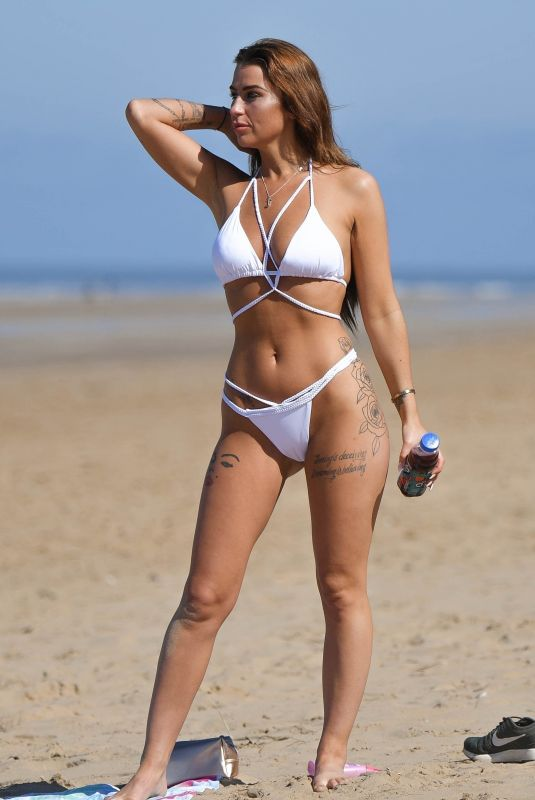 JENNIFER THOMPSON in Bikini at a Beach in Alicante 04/21/2018