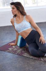 JESSICA BIEL for Gaiam Yoga Wear Collection 2017/2018