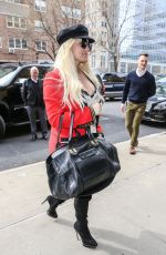 JESSICA SIMPSON Arrives at Her Hotel in New York 04/24/2018