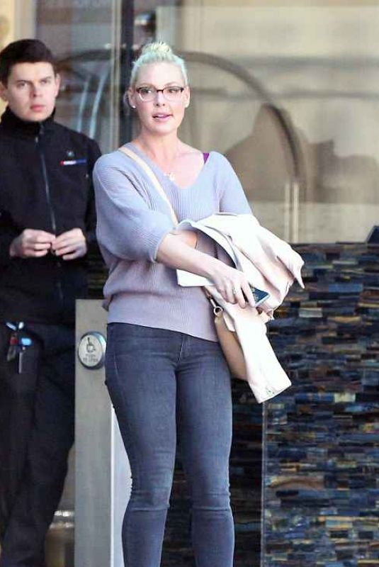 KATHERINE HEIGL Out and About in Toronto 04/04/2018